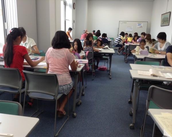小学1・2・4年生の会場