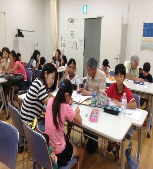 小学3・5・6年と中学生の教室